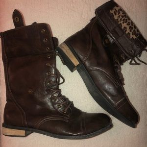 Combat boots, with cheetah lining